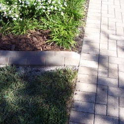 We-Match-Pavers-Too-See-How-The-Concrete-Edging-Matches